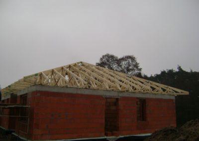 Dach kopertowy z tarasem wykonany w technologi prefabrykowanej.