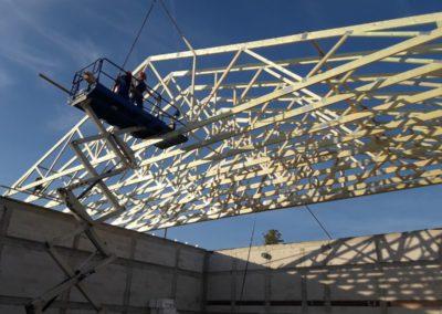 Dach w technologi wiązarowej na sali gimnastycznej w miejscowości Krośniewice.